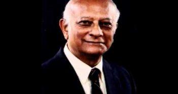 Dr Rustum Roy